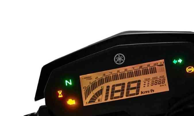 O painel é inteiramente digital, com tela em LCD(foto: Stephan Solon/Yamaha/Divulgação)
