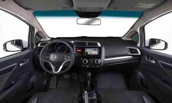 Interior é o mesmo do Fit, mas o do WR-V tem um friso horizontal no painel(foto: Honda/Divulgação)