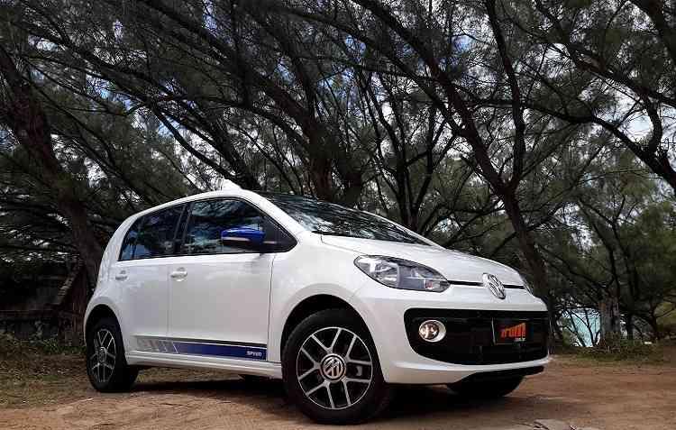 Volkswagen up! com a motorização TSI 1.0 é capaz de fazer 16,3 km/l fora da cidade. Foto: Bruno Vasconcelos / DP -
