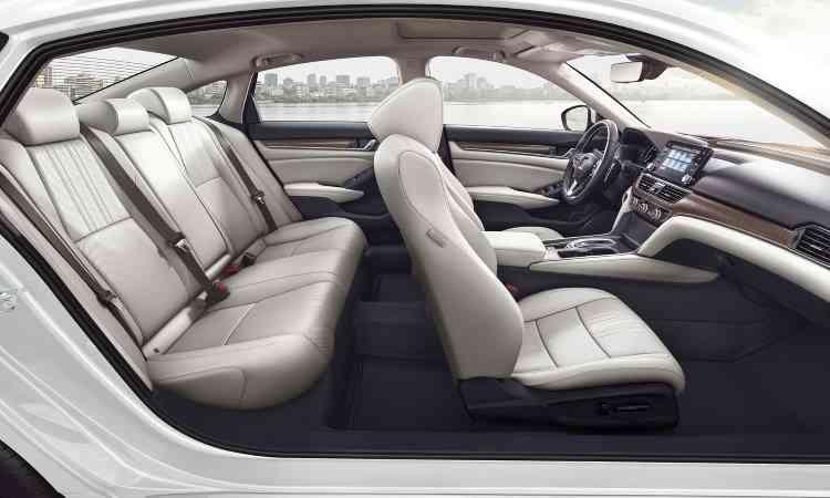 Distância entre-eixos aumentou, melhorando o espaço interno principalmente para quem senta no banco traseiro - Honda/Divulgação