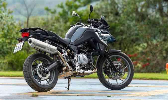 Com preço a partir de R$ 40.950, a BMW F 750 GS tem suspensão dianteira convencional(foto: BMW/Divulgação)