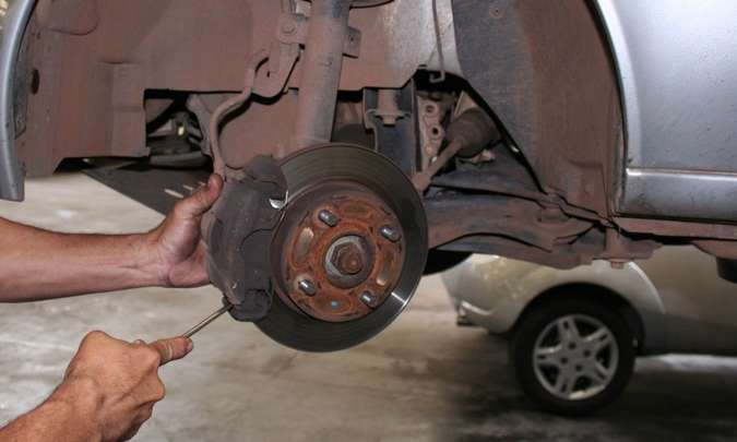 As falhas em sistema de freio aparecem em terceiro lugar nos chamamentos para reparos(foto: Marlos Ney Vidal/EM/D.A Press - 23/11/05)