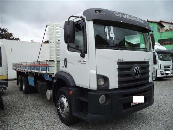 Volkswagen 24-280 e Constel. 6x2 2p (diesel)(e5) 2014 R$ 1,00 MG VRUM