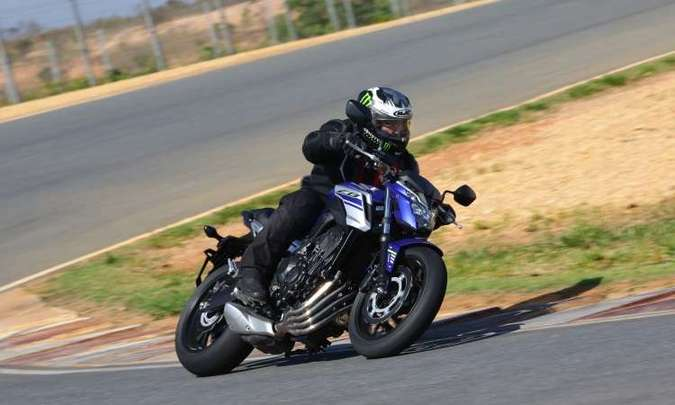 A Honda CB 650 F se diferencia pela ausência da carenagem, em seu estilo naked(foto: Caio Mattos/Honda/Divulgação)