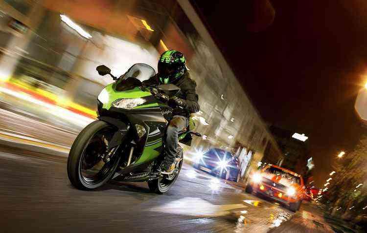 Inspirada no Campeonato Mundial de SuperBike, modelo chega em versão especial - Kawasaki / Divulgação