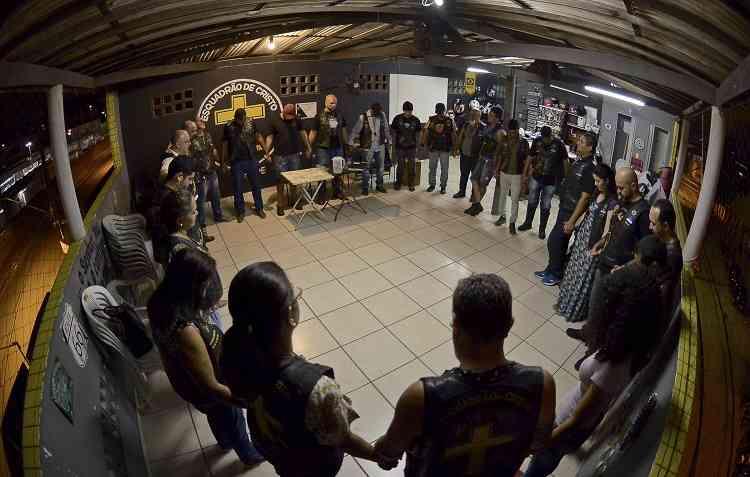 Reunião de Oração é feita por todos os membros do ECMM. Foto: Daniel Tavares / ECMM -