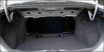Volume do porta-malas é de 500 litros, segundo informações da Fiat -