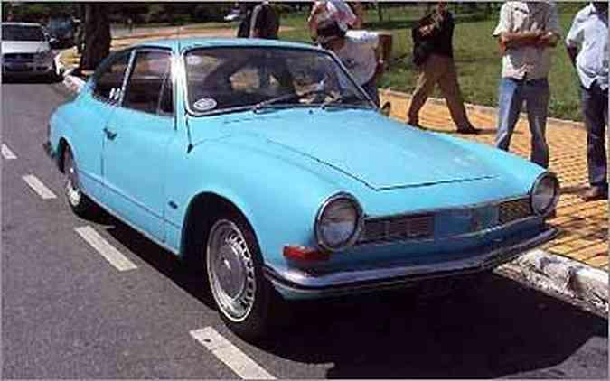 TC: Karmann Ghia de design italiano foi produzido apenas no Brasil(foto: Bruno Beleza - 04/10/09)