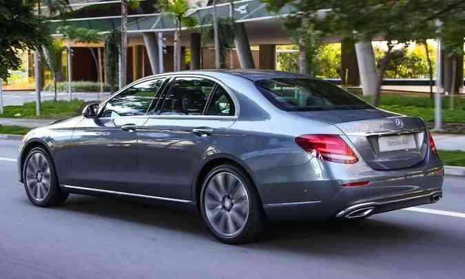 Design da traseira remete ao Classe C, com coeficiente de arrasto de 0,23cx(foto: Mercedes-Benz/Divulgação)