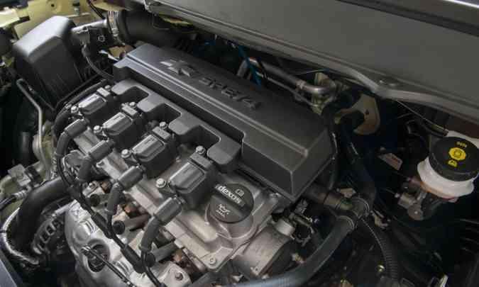 O motor 1.8 tem potência máxima de 111cv com etanol. O modelo merecia algo melhor(foto: Chevrolet/Divulgação)