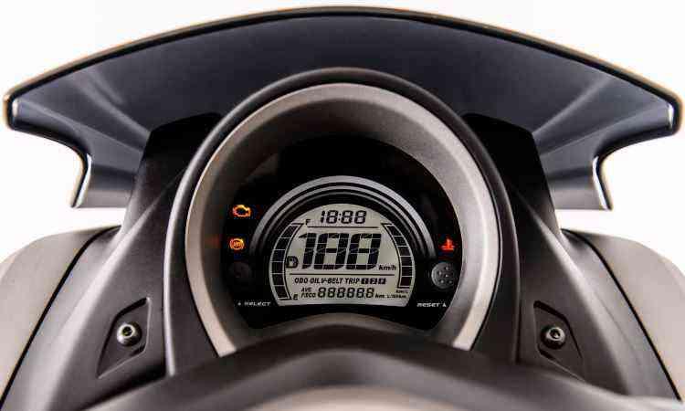 Painel digital indica pilotagem econômica, alerta para a hora de troca de óleo e das correias do câmbio - Stephan Sólon/Yamaha/Divulgação