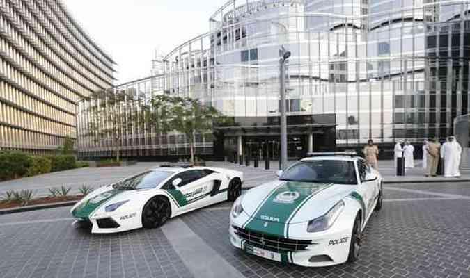 Polícia de Dubai recebe reforço de Ferrari e LamborghiniAFP