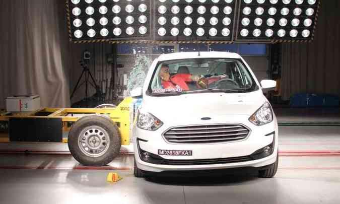 No teste de impacto lateral, o Ford Ka demonstrou boa proteção para a cabeça e abdome(foto: LatinNCAP/Divulgação)