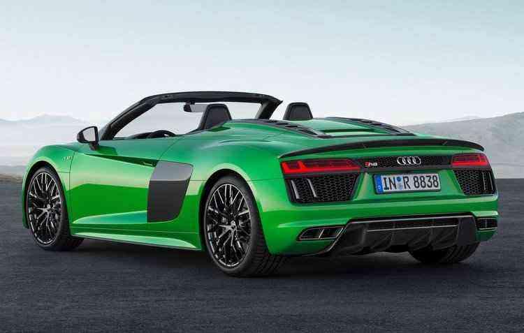 São 610 cv de potência com aceleração de 0 a 100 km/h em 3,3 segundos - Audi / Divulgação