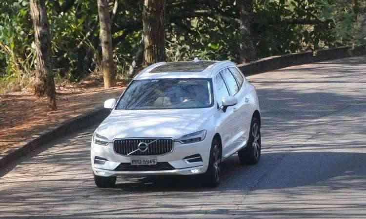 A frente do SUV ganhou aspecto mais esportivo, com faróis afilados e rádio tipo grelha - Leandro Couri/EM/D.A Press