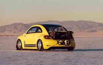 O Deserto de Sal de Bonneville, nos Estados Unidos, foi o local escolhido para a corrida(foto: Volkswagen / Divulgação)