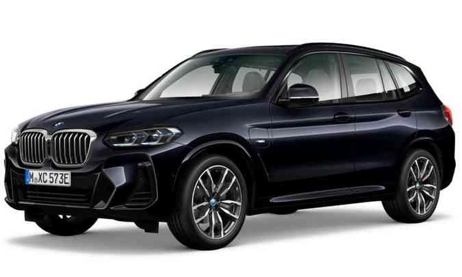 As rodas são de liga-leve de 20 polegadas, calçadas com pneus na medida 245/45 na dianteira e 275/40 na traseira.(foto: BMW/Divulgação)