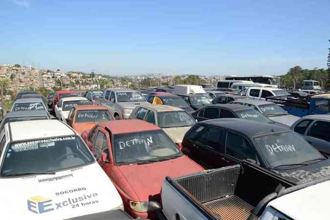 Carros apreendidos aguardam resgate do proprietário ou o próximo leilão Thiago Ventura/EM/D.A Press