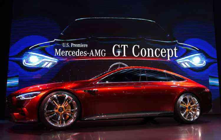 Motor V8 4.0 com dois turbos compressores tem potência de 815 cv   - Mercedes-Benz/Divulgação
