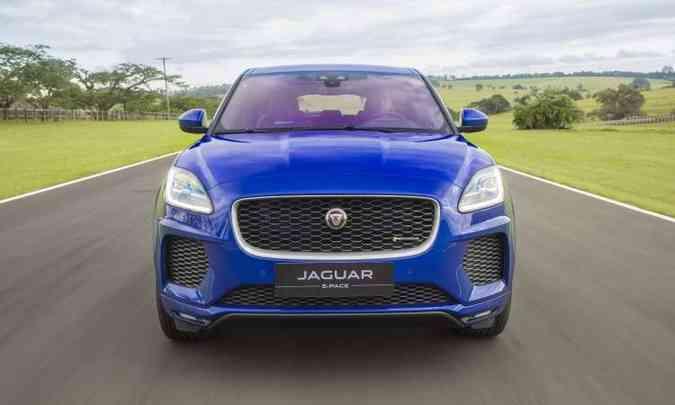 O SUV compacto passa a contar com a nova opção de motorização flex, que desenvolve 249cv e 37,2kgfm(foto: Jaguar/Divulgação)