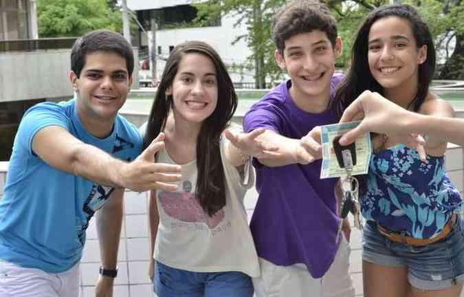 (Na ordem) Tarcísio, Juliana, João e Ruth acreditam que habilitação traz mais liberdade(foto: Cristiane Silva/Esp.DP/D.A Press)