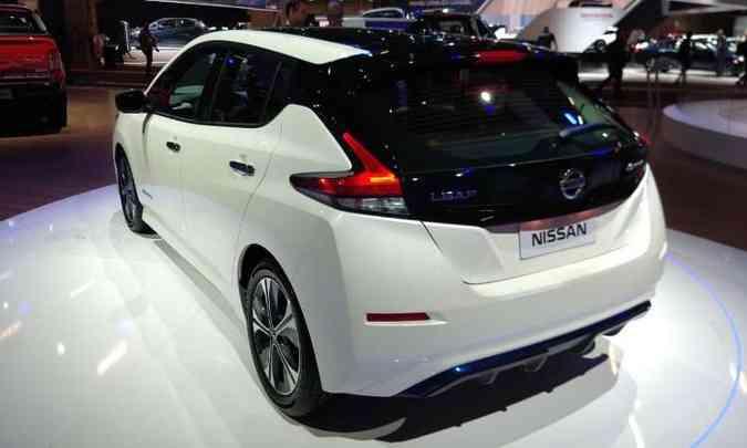 Modelo da Nissan tem autonomia de 240 a 320 quilômetros, dependendo da bateria(foto: Pedro Cerqueira/EM/D.A Press)