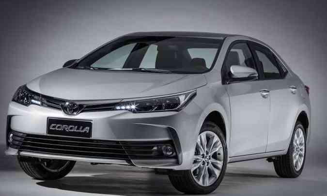 O insuperável Toyota Corolla continua na liderança entre os sedãs médios(foto: Toyota/Divulgação)