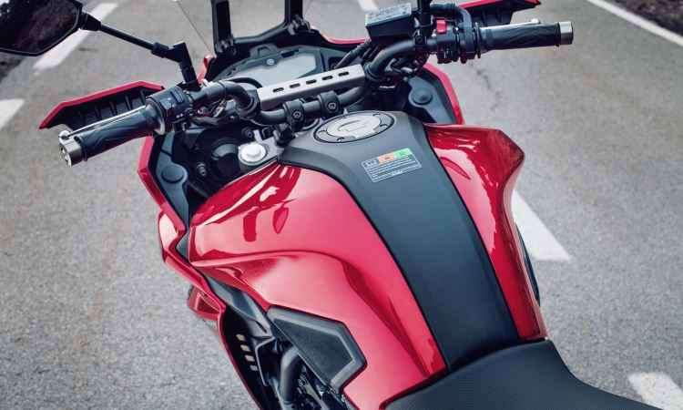 Naked Yamaha MT-07 ganha porte estradeiro na nova versão