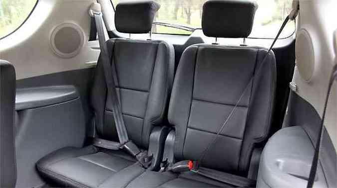 Dois assentos extras na traseira