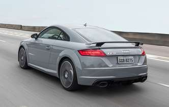 Modelo conta com motor 2.5 litros de 400 cv(foto: Audi / Divulgação)