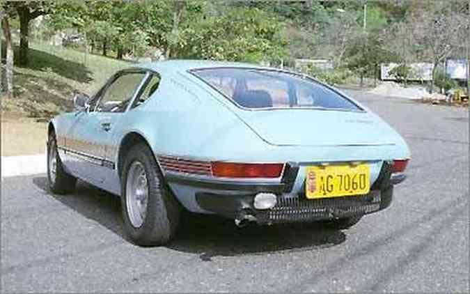 O SP'1 da foto era basicamente o mesmo carro, mas com motor 1.6 com 10 cv a menos