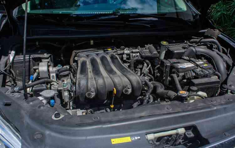 Automóveis como Opala e Santana eram equipados com motores longitudinais  - Thalyta Tavares/Esp. DP