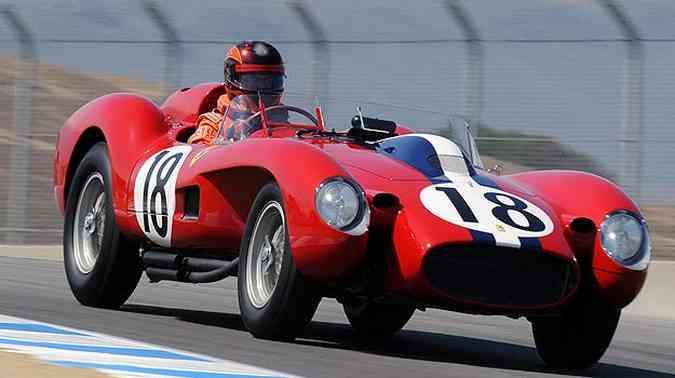 Ferrari 250 TR 1957 nunca teve um grande histórico nas pistas, mas é valorizada como poucas, com previsão de ultrapassar o recorde anterior de US$ 12 milhões alcançados por modelo igual em 2009(foto: Gooding & Company/Divulgação)