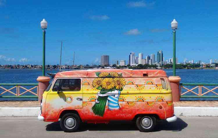 Inspira o al m do design automotivo vrum for Food truck design app