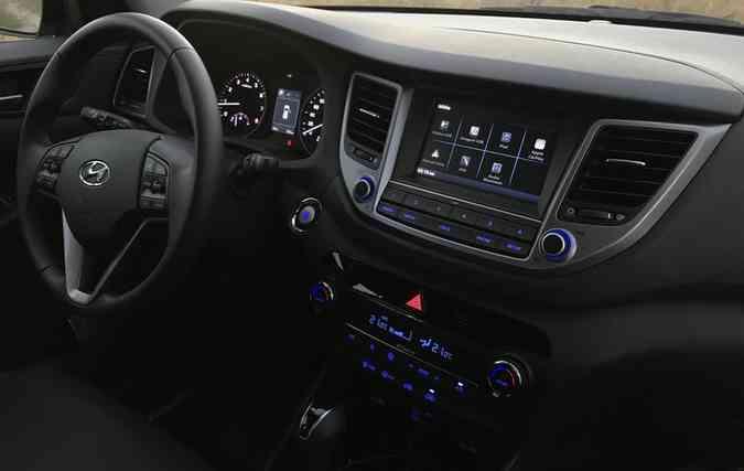 Interior de plástico do SUV pede um maior refinamento (foto: Jorge Moraes / DP )