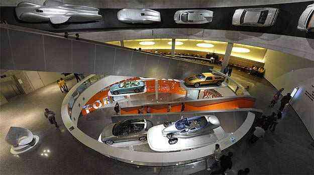 Museu da Mercedes Benz em Stuttgart - AFP PHOTO/ THOMAS KIENZLE