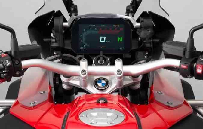 Painel de 6,5 polegadas com alta definição chamado TFT(foto: BMW/ Divulgação)