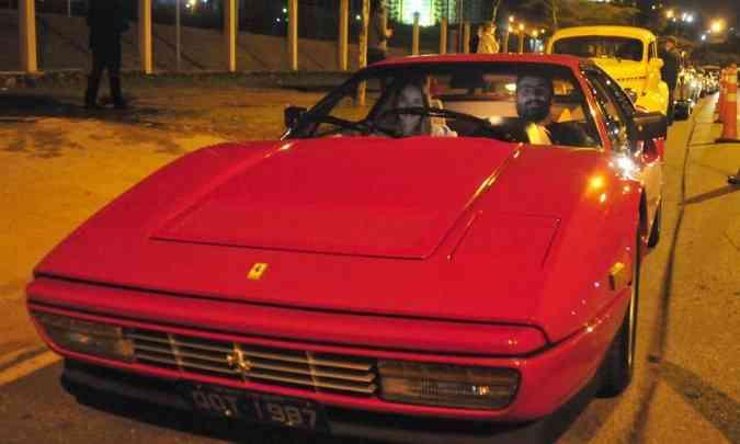 Tinha Ferrari também, como a 328 GTB de 1986, do empresário Guilherme Luz(foto: Túlio Santos/EM/D.A Press)