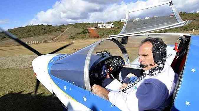 O engenheiro pretende voar para Buenos Aires no próximo ano, fazendo escalas no Sul(foto: Juarez Rodrigues/EM/D.A Press)