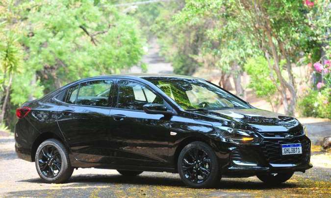 O Chevrolet Onix Plus teve a produção interrompida, queda nas vendas em maio, mas mesmo assim é líder no segmento dos sedãs compactos premium(foto: Gladyston Rodrigues/EM/D.A Press)