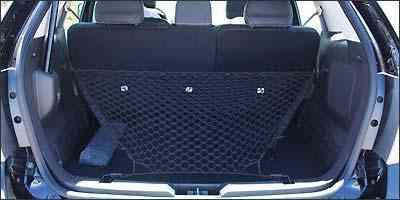 Capacidade do porta-malas é de 908 litros, enchendo até o teto -