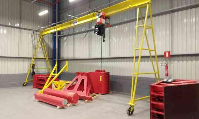 O poste é um dos equipamentos usados para teste de colisão lateral(foto: Pedro Cerqueira/EM/D.A Press)