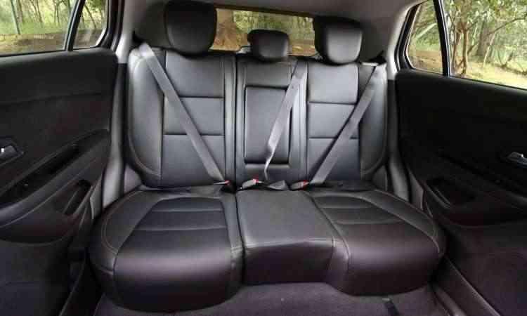 Espaço no banco traseiro é satisfatório para um SUV compacto - Edésio Ferreira/EM/D.A Press