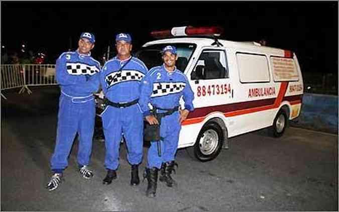 Ivan Silva coordena uma equipe de seis socorristas, que contam com todos os equipamentos