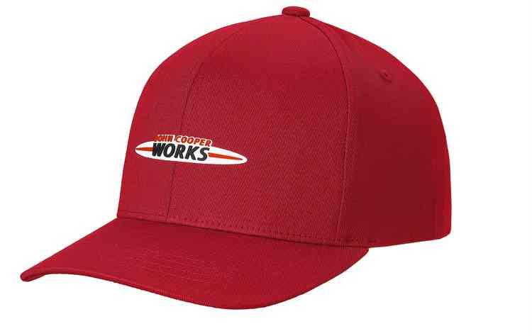 Boné JCW Logo Cap é vendido por R$ 231 a unidade. FOTO: BMW/Divulgação  - Boné JCW Logo Cap é vendido por R$ 231 a unidade. FOTO: BMW/Divulgação