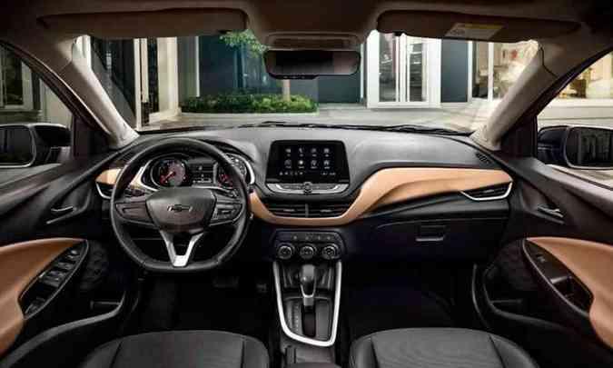 Painel em duas cores e central multimídia com tela tátil flutuante (foto: Chevrolet/Divulgação)