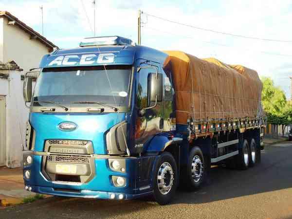 Ford Cargo 2429 e 6x2 Turbo 2p (diesel)(e5) 2012 R$ 120,00 MG VRUM
