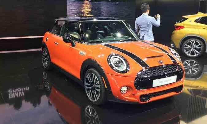 O Mini mudou muito pouco no visual e manteve as motorizações(foto: Enio Greco/EM/D.A Press)