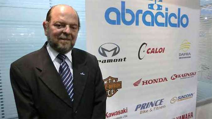 Moacyr Paes, diretor da Abraciclo. Otimismo no mercado de motos(foto: Téo Mascarenhas/EM/D.A PRESS)