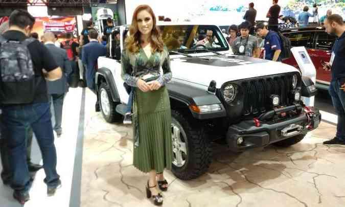 Destaque no estande da Jeep é o novo Wrangler em diferentes versões, como a Sport(foto: Pedro Cerqueira/EM/D.A Press)